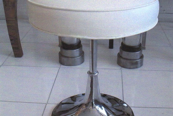 O Bugle Base Stool